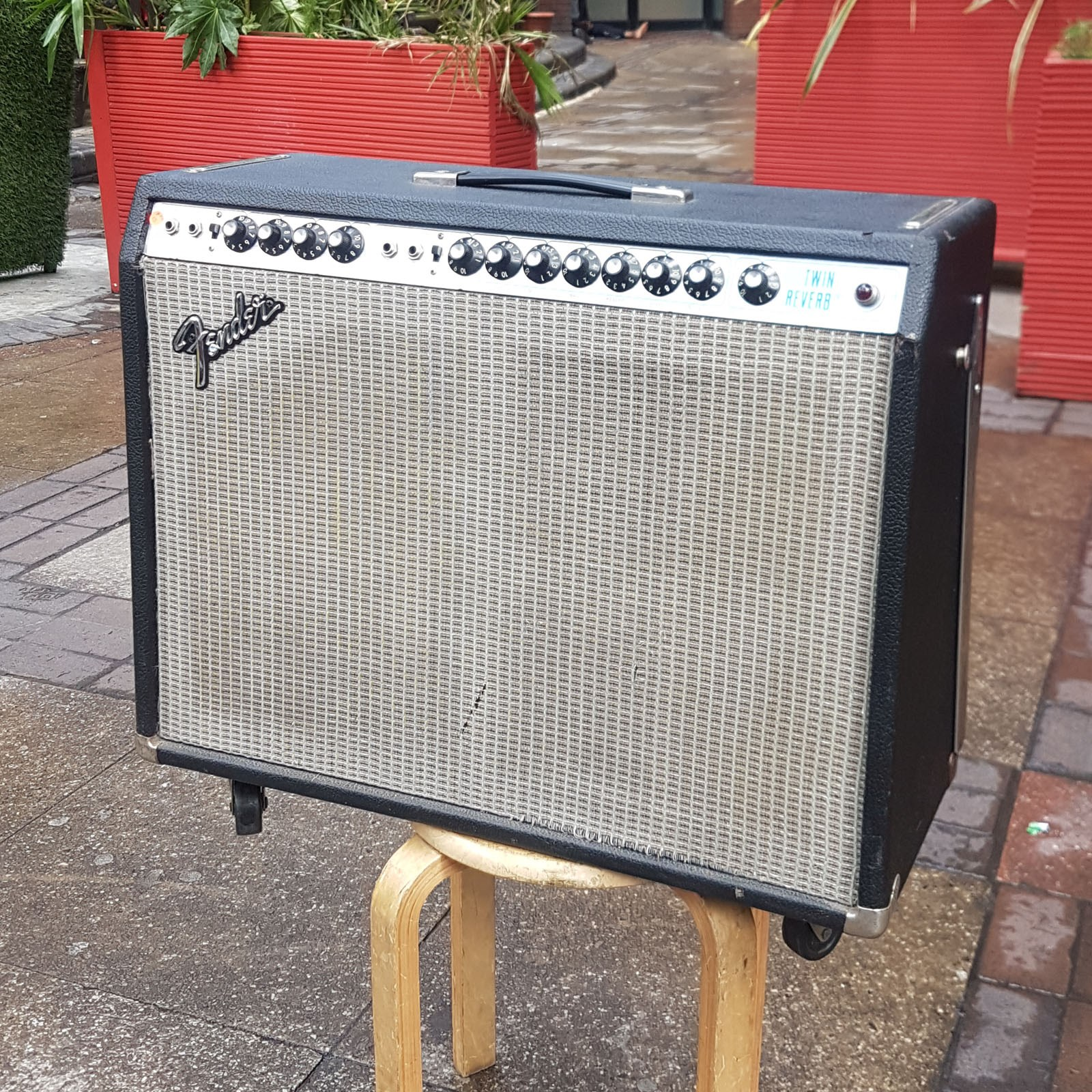 silver face fender twin reverb